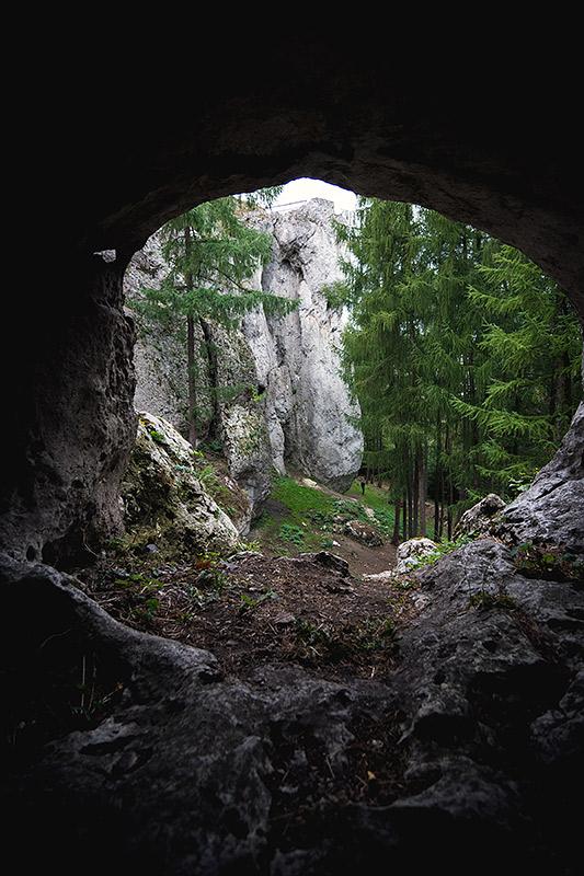 """Wielki Filar Birowa z innej perspektywy """"Domi"""" kluczy pomiędzy środkiem, a prawą częścią widocznej ściany"""