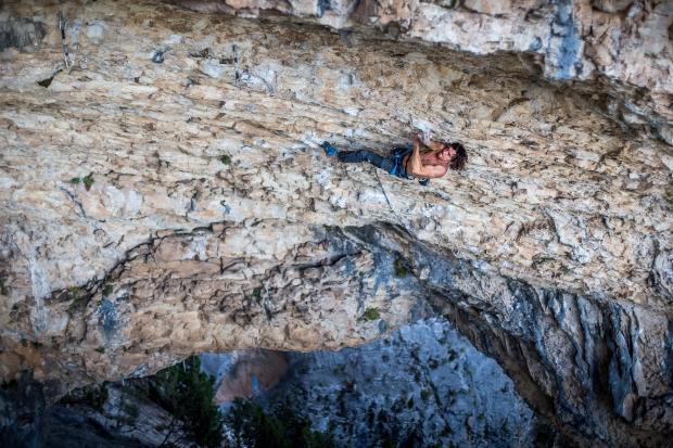 Drugi, najtrudniejszy bulder. Próba z zeszłego roku. Fot. Maciek Ostrowski